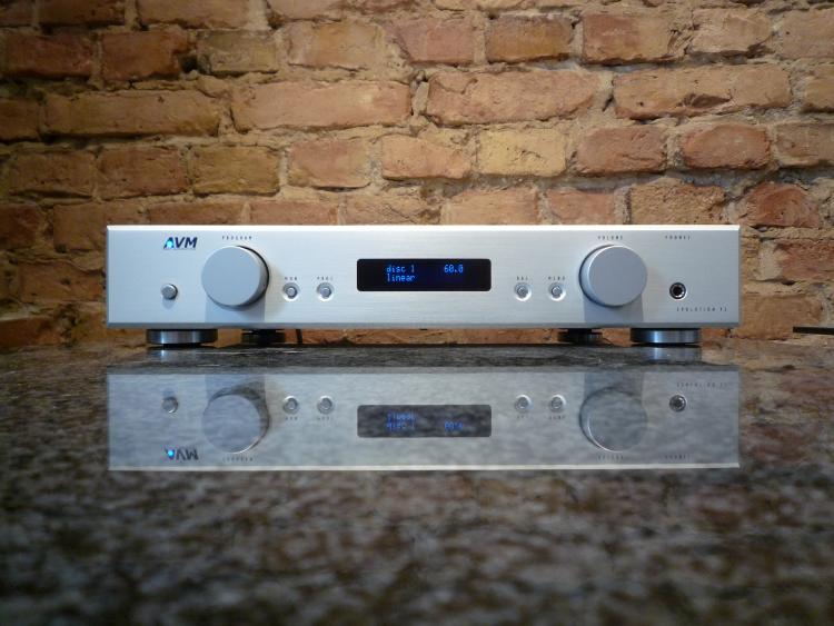 HIFIplay - Ihr HiFi und High End Spezialist in Berlin - AVM V2 Stereoplay Edition