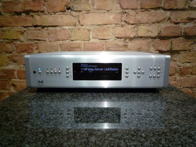 HIFIplay - Ihr HiFi und High End Spezialist in Berlin - T+A Music Player Balanced silber