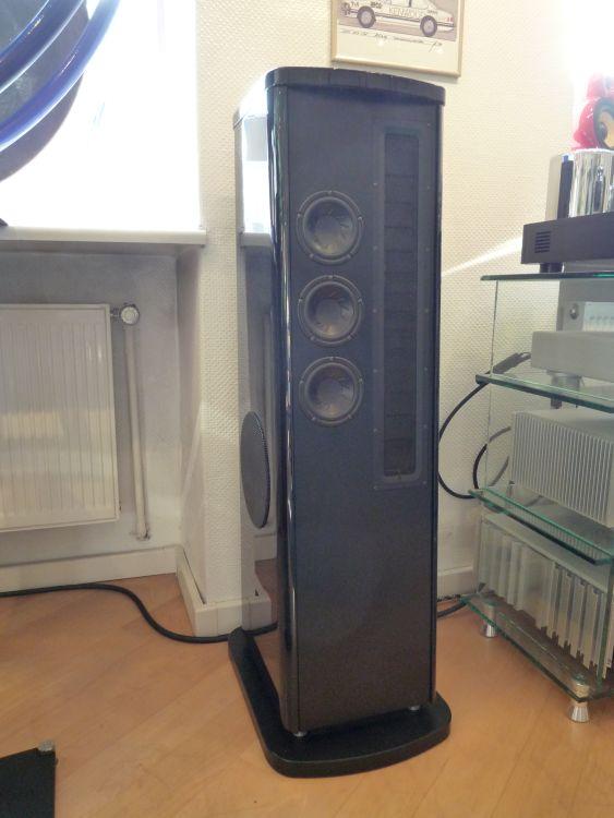 HIFIplay - Ihr HiFi und High End Spezialist in Berlin - T+A Solitaire CWT 500 Lautsprecher